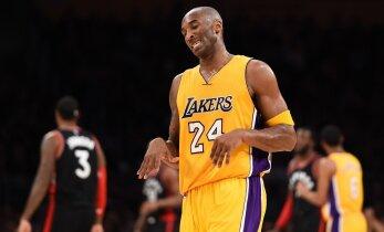 VIDEO: Kobe Bryant tekitas Leedu korvpallitähele käeluumurru
