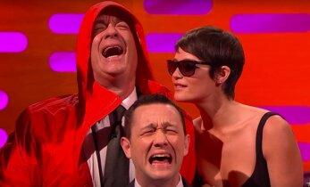 VIDEO: Tom Hanks tegi lõpuks sotid selgeks: internetti hullutanud fotol beebiga koos nutnud mees polnud tema!