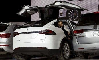 """Kas sul kutse on? Tesla Model X """"rätsepatellimuste"""" vormistamine on alanud!"""