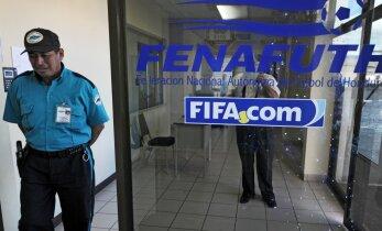 NIMEKIRI: Šveitsis vahistati 16 kõrget jalgpalliametnikku