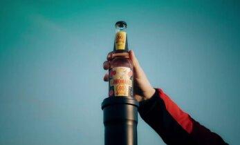 AUHINNAMÄNG: Näita, kui tuusalt avaksid limonaadipudelit! Kõige vingema idee autori lennutame sõna otseses mõttes taevasse