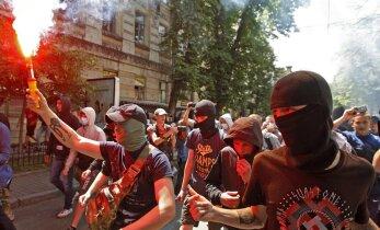 В Киеве прошли два марша правых сил