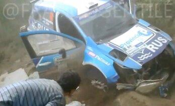 VIDEO: Endine tenniseäss tegi Argentina rallil jubeda avarii