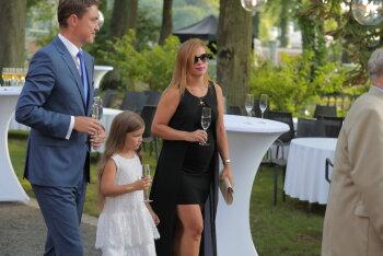 FOTOD: Eesti iseseisvuse taastamise 25. aastapäeva vastuvõtul särasid mitmed stiilsed lapseootel naised