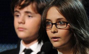 KLÕPSUD: Usud? Vaata, milliseks kauniks neiuks Michael Jacksoni tütar Paris sirgunud on!