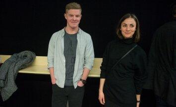Priit Pius ja Maiken Schmidt Ewert and the Two Dragonsi kontserdil Saku Suurhallis