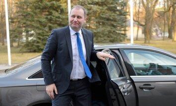 Maaeluminister Kruuse uus ametiauto ületab võimsuselt varasemaid