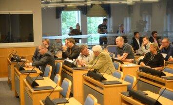 Tallinna linnavolikogu lükkas tagasi ettepaneku Ukraina suveräänsuse toetamiseks. Raid: Putinit toetavad Keskerakonna liikmed ei saagi teisiti ju hääletada