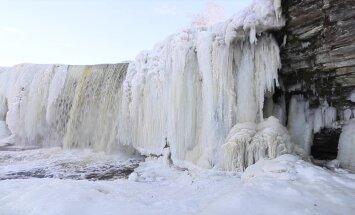 FOTOD ja VIDEO: Jägala joa jäämaailm näitas kevadehõngulisel päeval talve täies ilus
