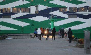 DELFI FOTOD: Türgist lõpuks kohale jõudnud Leiger andis valjult signaali ja oligi Rohuküla sadamas