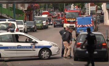 FOTOD ja VIDEO: Prantsusmaal võtsid relvastatud mehed kirikus pantvange: preestril lõigati kõri läbi, ründajad on tapetud