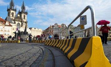 Центр Праги закрыли бетонными блоками от террористов