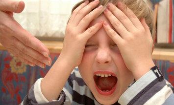 """Почему нельзя оставлять детей """"прокричаться"""". Мнение психиатров"""