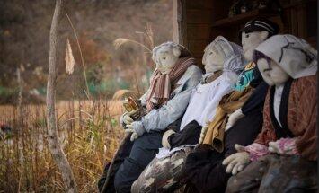 ФОТО и ВИДЕО: куклы заменили людей в опустевшей деревне