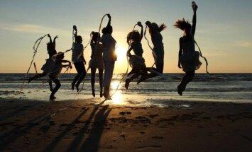 PUBLIK SOOVITAB SUVEPIDU: Kabli Päikeseloojangu festival alustab päikesetõusuni kestva avaralliga