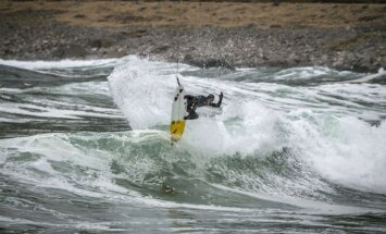 ФОТО и ВИДЕО: Как выглядит арктический серфинг на Лофотене