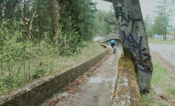Видео: Велосипедист проехал по заброшенным олимпийским объектам