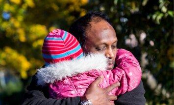 Väljasaadetav mees tütrega