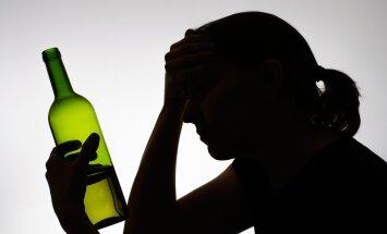Noor naine: jah, ma olen alkohoolik — aga kui lapse saan, siis lõpeb joomine kohe! Või kas ikka lõpeb...