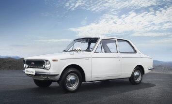 """Pool sajandit """"lilledest krooni"""" – maailma popim auto Toyota Corolla sai 50-aastaseks!"""