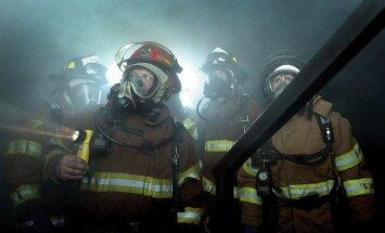 Superkuum GALERII: Need poolpaljad Prantsuse tuletõrjujad ajavad sind kindlasti kihevile