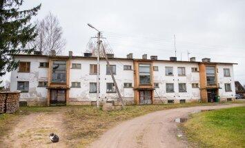 Selle suure maja ühes otsas elab Raivo Ossip, teises otsas veel üks mees.