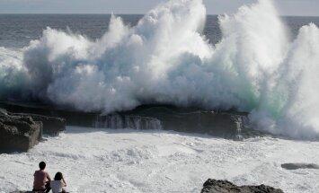 ФОТО и ВИДЕО: На Японию обрушился мощнейший за последние 25 лет тайфун