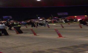 LUGEJA VIDEO: öösel valitsesid Istanbuli lennujaamast evakueeritud inimeste hulgas väga erinevad emotsioonid