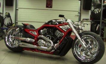 Bike Motors: Kevad Fredy juures ehk ära jalga maha pane, pill seisab ise püsti