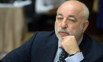 Viktor Vekselberg on küll Venemaa rikkaim mees, kuid see ei tee tal tuju heaks.
