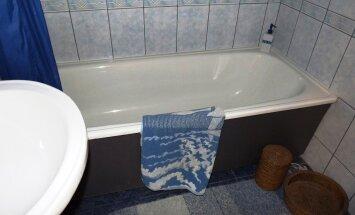 Vannipaneelidena saab edukalt kasutada ka veekindlaks viimistletud mööbliplaate.