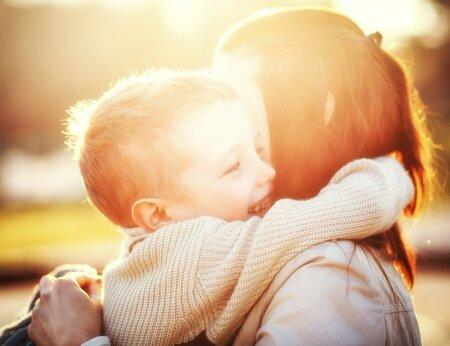 Kuus asja, mida iga poeg oma emalt vajab