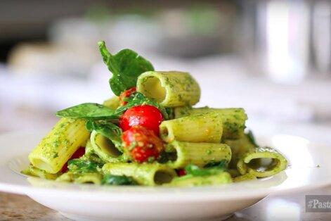 KIIRE ÕHTUSÖÖGI SOOVITUS: Ülikiire ja aromaatne kirsstomati-basiilikupesto pasta
