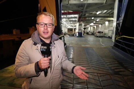 """VIDEO: Kell lõi südaööd ja sagimine algas - vaata, kuidas toimub """"vana hea Regula"""" ülevõtmine laevas seespool!"""