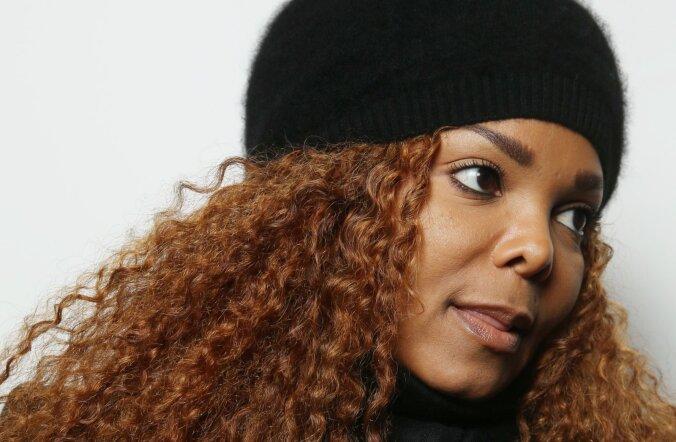 FOTOD: Särasilmne Janet Jackson astus koos pisipojaga esimest korda üle pika aja avalikkuse ette