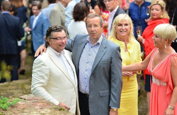 President Ilves tegi ürituse korraldamisel koostööd ettevõtja Margus Reinsaluga, kelle Oandu vesiveski mitmel aastal Eesti sõpru võõrustas.
