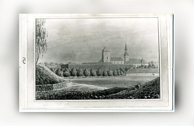 Jaak Juskega kadunud Eestit avastamas: Liivimaa kuningriigi pealinna nukra saatusega lossi lugu