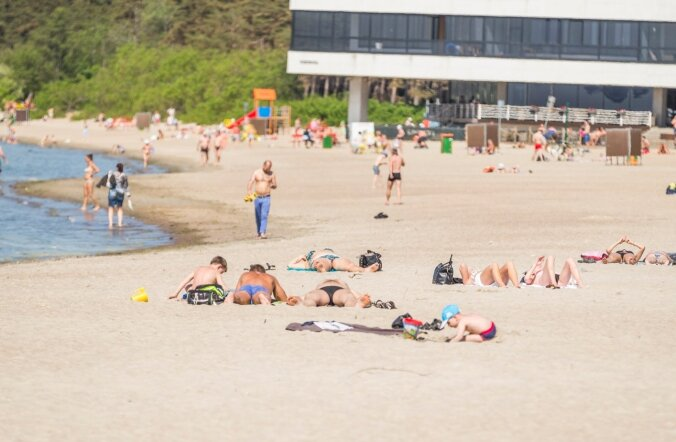 Esimesed suvitajad Pirita rannas