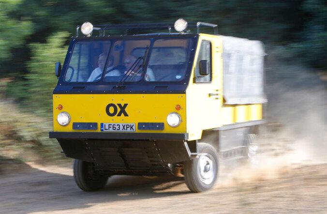 OX: Ülimalt odav, kuid maastikul toime tulev auto, mida on võimalik transpordiks kokku pakkida