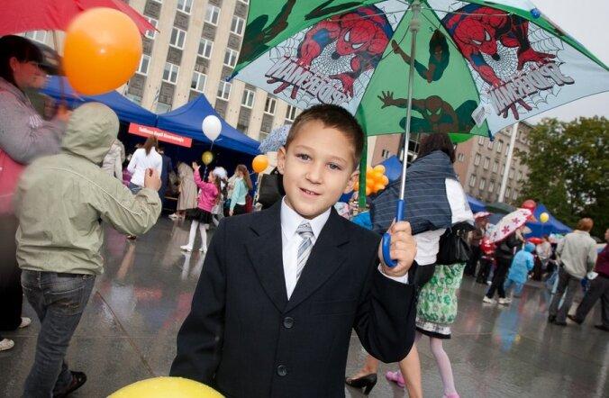 FOTOD: Vihmast hoolimata lustisid lapsed aabitsapeol