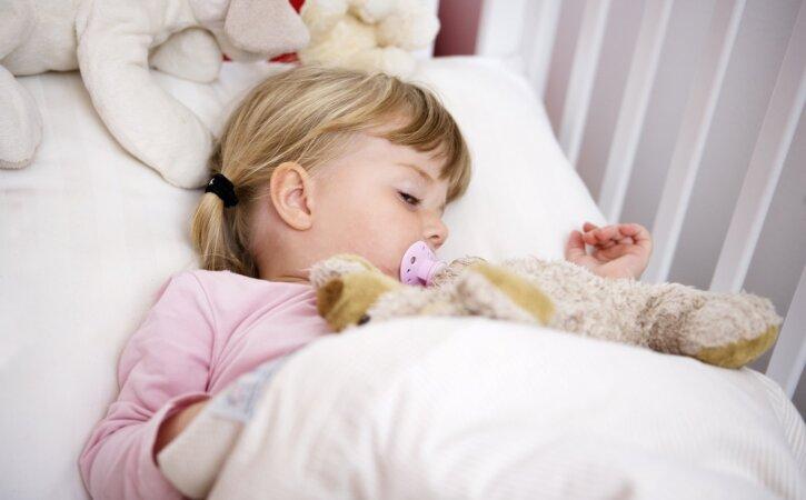 Üks ja ainus trikk, mis aitab sul lapsed igal õhtul õigel ajal magama saada!