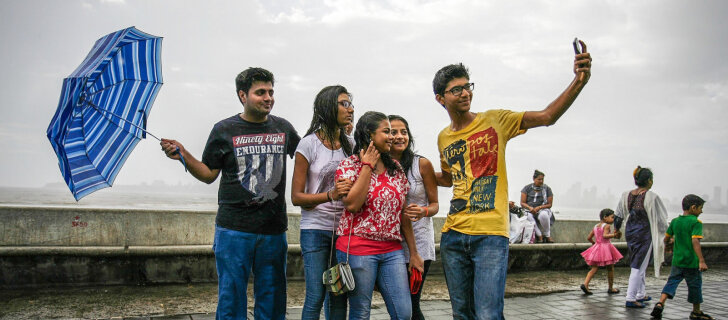 Почему Индия опасна для любителей делать селфи