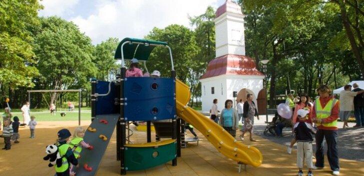 FOTOD: uue näo saanud Kalamaja Kalmistupark on tänasest linnarahvale avatud