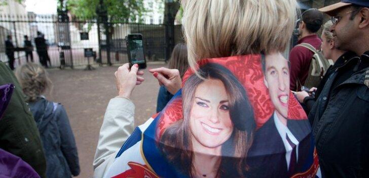 DELFI LONDONIS: Britid veavad kuninglike pulmade peale kihla