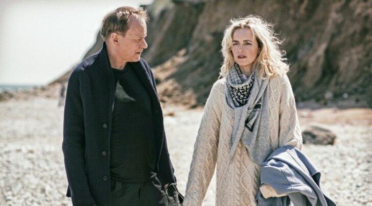 Max (Stellan Skarsgård) ja Rebecca (Nina Hoss) naasevad Montauki. Kuid kas neil õnnestub taas armastus leida?