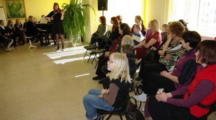 Kontsert võeti näituse avamisel osalenute poolt hästi vastu.