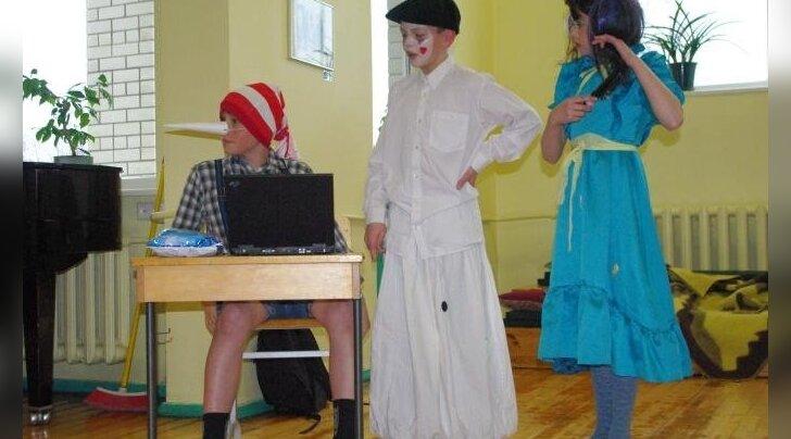 Salme kolmas Oma laste näitemänguõhtu - eks see teatritegemine üks haigus ikka on