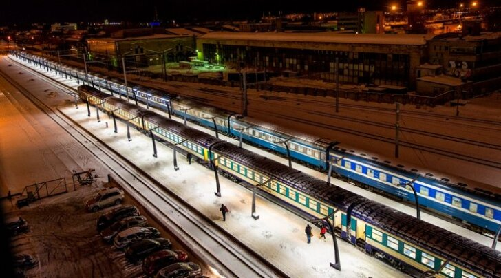 FOTOD: Moskva turistide Eestisse toomiseks asus teele ülipikk rong