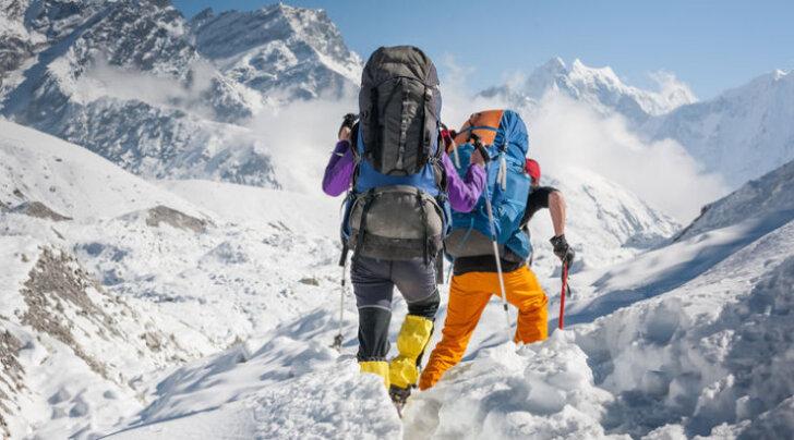"""Альпинисты решили """"капсулировать"""" погибших на Эвересте"""