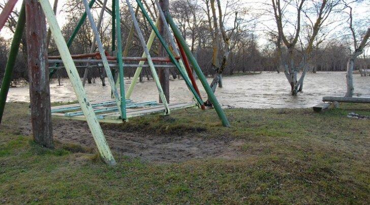 FOTOD: Kundas tuleb vesi üle kallaste